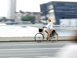womanonbike
