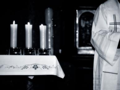 catholic_priest_1024x768